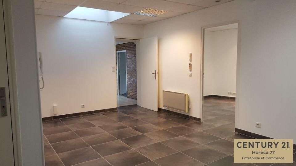 Bureaux à louer - 118.0 m2 - 77 - Seine-et-Marne