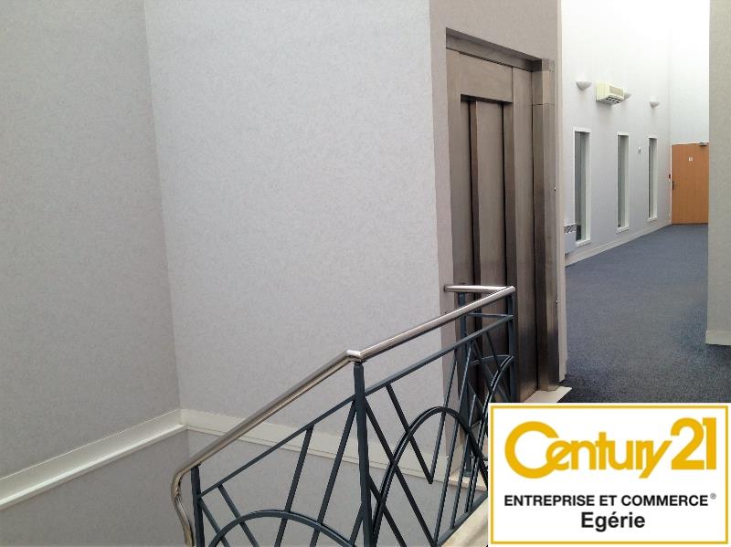 Bureaux à louer - 121.0 m2 - 77 - Seine-et-Marne